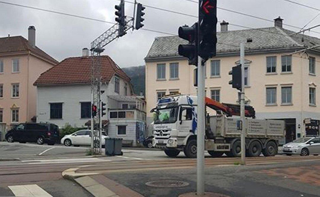 Lastebil skapte lange køer