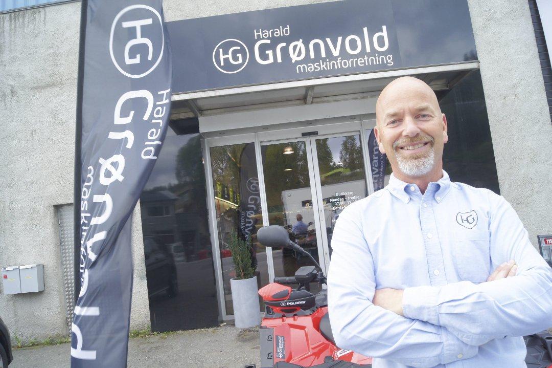 29fc19e6 Østlandets Blad - Dag Harald (51) ivaretar en 64 år lang tradisjon som  problemløser i Ski