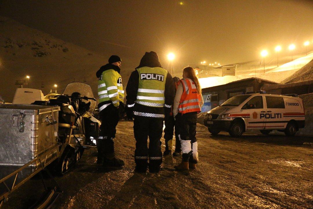 Mann og kvinne funnet omkommet etter helikopterulykke