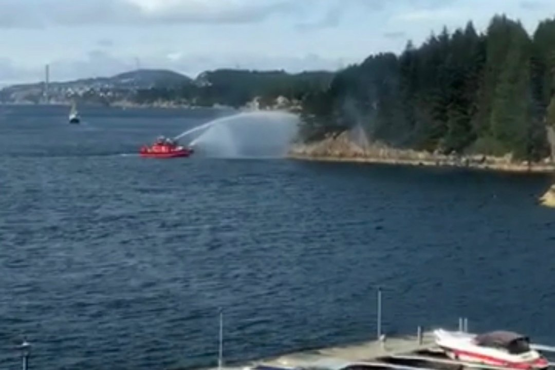 Begynte å brenne ved populært grillsted Bjorøy