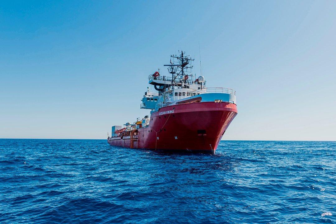 Nødssituasjon på «Ocean Viking» – mannskapet har forskanset seg