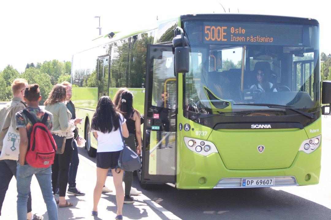 Reagerer på manglende info i buss under køkaos