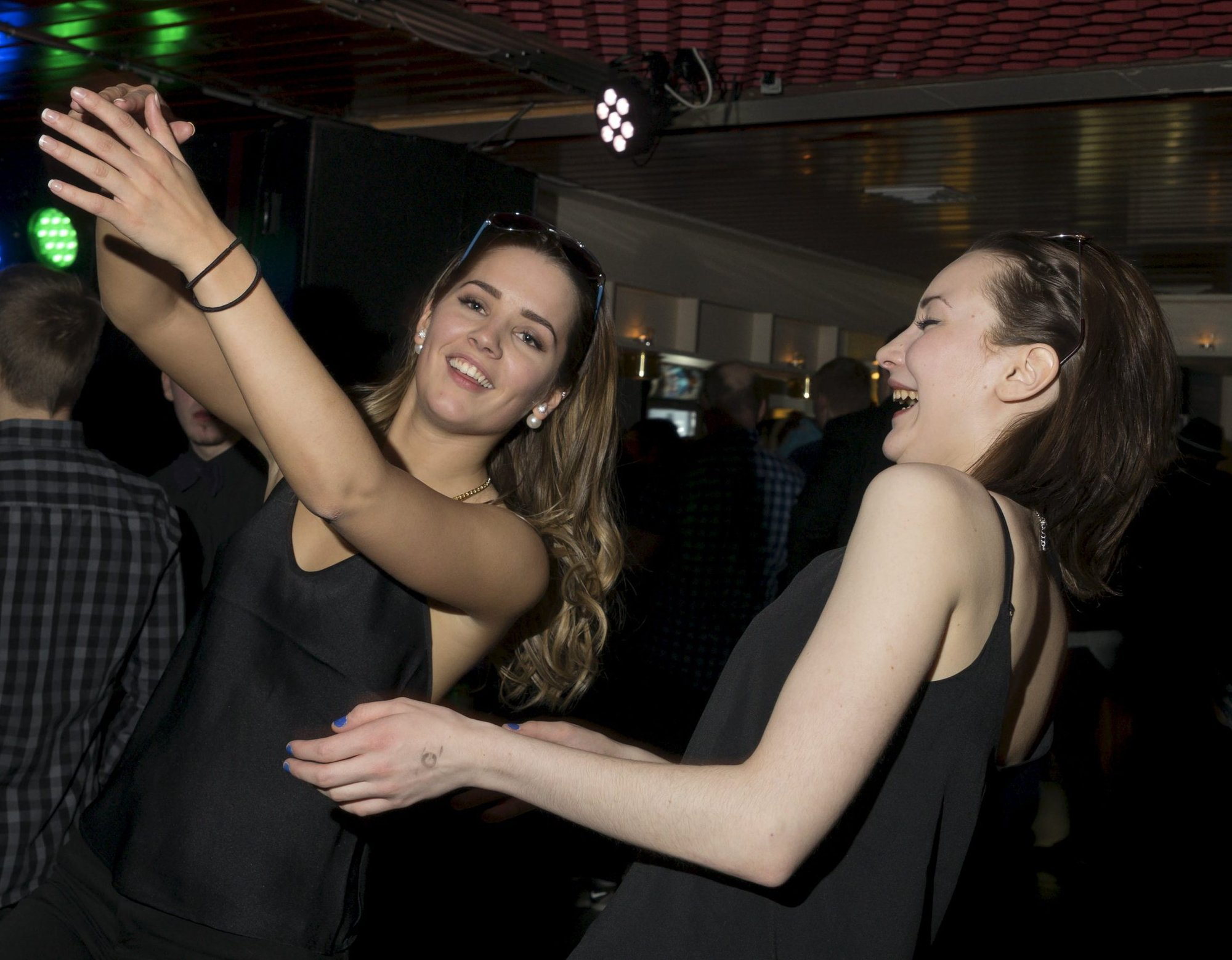 Women dating sms date thai escort dating porno norske vardø