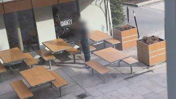 (+) Filmet rengjøringen på McDonalds: – Sjokkerende