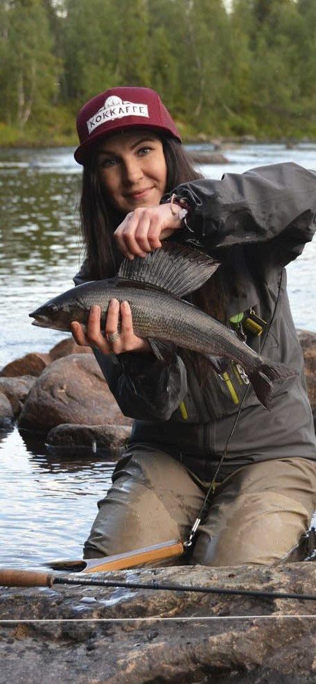 Kurs: Therese Lundin skal holde fluefiskekurs. Foto: Tärnaby turistkontor