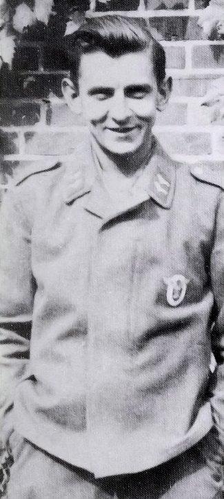 1939: Horst Götz er innkalt til krigstjeneste for sitt hjemland Tyskland.