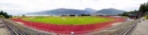 VIL SELGE: Kommunestyregruppen til Høyre i Tromsø foreslår å omregulere Valhall stadion til boligformål og selge tomtene til utbyggere. Forslaget skal behandles i kommunestyret 17. februar.