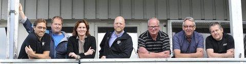 ANSIKTENE BAK: Denne gjengen jobber mange hundre timer dugnad for å få Elverumsturneringen i havn hvert år. F.v.: Per Steinar Krogsæter, Cato Åslie, Sølvi Aas Krogsæter, Hans Olav Kjeljebakken, Hans Olav Osbak, Per Stensløkken og Frode Nordhagen. Foto: Wenche Norberg-Schulz