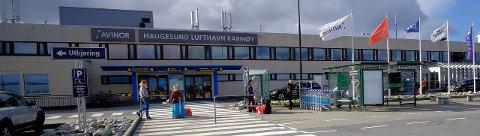 Haugesund lufthavn Karmøy opplevde sterk nedgang i antall utenlandspassasjerer i 2016.  Arkivfoto: Terje Størksen