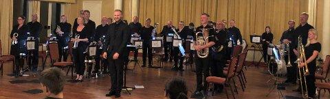 HØSTKONSERT: Valdres Brass Band spilte høstens første konsert på Scandic Valdres fredag kveld.