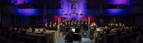 Elever ved musikk- og danselinja ved Vinstra videregående skule har hvert år konsert i Sør-Fron kirke. Denne gangen blir det nyttårskonsert.