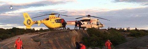 To redningshelikoptre bisto under redningsaksjonen ved Fredagshølet lørdag kveld.
