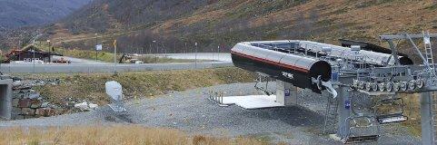 Venter på snø: Slik så det ut ved ekspressheisen denne uka. Målet er sesongåpning om en måned.