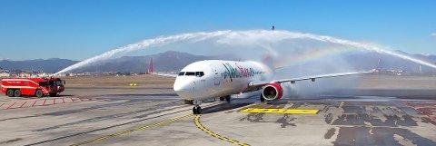 TOMT: Dette AlbaStar-flyet inneholder ingen turister på lørdag. Da reiser flyet fra Milano til Tromsø for å hente hjem italienske turister.