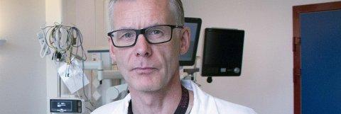 KORONA: Avdelingssjef Karl-Andre Wian ved anestesiologisk avdeling ved Sykehuset i Vestfold forteller om et tøft koronaår som ligger bak avdelingen. Nå ventes en ny koronatopp med svært mange koronainnlagte.