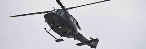 ØNSKER FORLENGELSE: Helse Nord ønsker å forlenge avtalen med Forsvaret som nå flyr helikopterambulanseoppdrag ut fra Kirkenes med et oppsatt Bell-helikopter. Foto: Forsvaret
