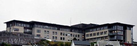 GJEST: Under en operasjon i Flekkefjord, skal den omstridte legen ha latt en gjest overta operasjonen, og selv forlatt operasjonssalen.