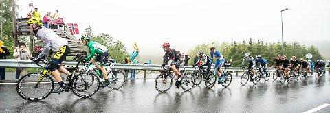 Sykkerittet Tour of Norway passerte søndag Ås. Her i Kroerveien.
