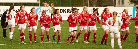 Mjølner skal finne trener til damelaget i 2019-sesongen. Det jobber Kenneth Claeson med.  Arkivfoto fra tidligere i år.