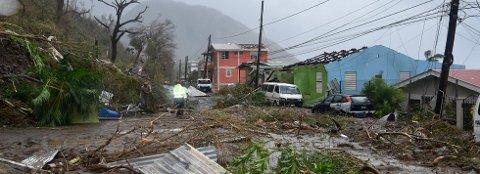 KARIBIA: Dette bildet er tatt 19.september i år, av kommunikasjonsteamet til statsminister Roosevelt Skerrit på øystaten Dominica, morgenen etter orkanen Marias ødeleggelser.    FOTO:  / Roosevelt Skerrit/ Flickr