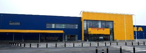 PÅVIST SMITTE: En gjest ved Ikea Ringsaker har fått påvist covid-19.