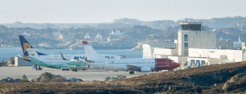 Haugesund Lufthavn Karmøy Helganes Ryanair Widerøe Norwegian Foto:  Harald Nordbakken