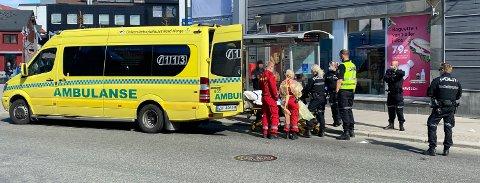 BISTOD AMBULANSE: Politiet måtte tirsdag rykke ut til Nerstranda i Tromsø sentrum, da en pasient gikk til angrep på ambulansepersonell.