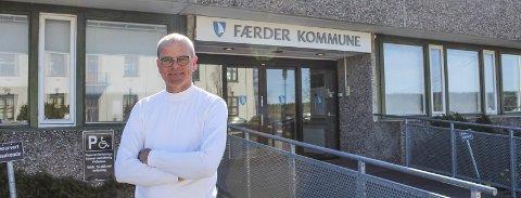 IMPONERT: Ordfører Jon Sanness Andersen fikk knappe fire måneder i sjefsstolen før Norge ble snudd på hodet. Nå roser han både ansatte og befolkningen for evnen de har vist til å omstille hverdagen helt.
