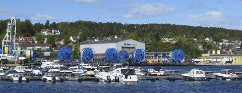 IKKE UDELT POSITIVE: Aker Solutions stiller seg kritiske til planene om en utfylling på 68 mål i havnebassenget i Moss. Bedriften frykter for negative konsekvenser.