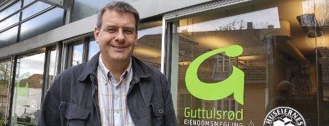 Godt fornøyd: Lars Erik Guttulsrød har lenge irritert seg over praksisen i DNB. Nå får han Finanstilsynets støtte for at det blir slutt på praksisen med at melgere betaler tipshonorar til bankkolleger.