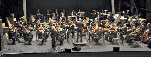 Mektig: Trondheim Symfoniorkester og Sigmund Groven framfører «Vårsøg» så vakker som vi aldri har hørt den før under konserten som markerte 20 Vårsøghelger og at det er 70 år siden diktet ble skrevet av Kleivakongen Hans Hyldbakk.