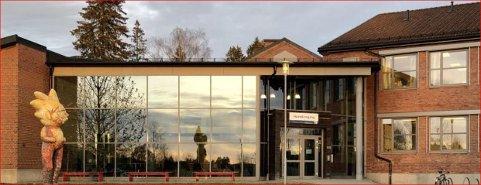 KARANTENE: Ved Korsgård skole er 48 elever og sju ansatte i karantene. Arkivfoto.