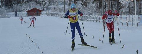 ALLSIDIG: Unge Petter Spiten (t.v.) er en allsidig idrettsutøver. Søndag skal han prøve seg i vintertriatlon på Heistadmoen. Først løping, så sykling og til slutt langrenn.
