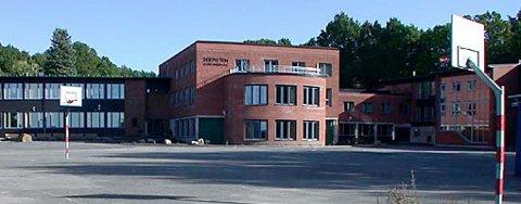 Innbrudd: Noen tok seg inn på Seiersten Ungdomsskole natt til torsdag.