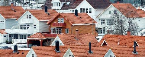 Statistikken avslører store forskjeller i hvor høye gebyrer kommunene tar for å behandle søknader om byggetillatelse.