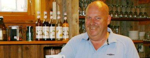 TRAVLE TIDER: Ole Gunnar Berntsen opplever stor pågang i Gansvika Restaurant & Kro AS om dagen. FOTO: ANITA JACOBSEN