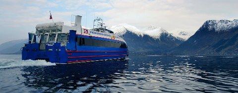 I dag går denne båten i ruta mellom Rosendal og Bergen. I nær framtid kan det bli ein annan hurtigbåt. Ein båt driven på hydrogen. (Arkivfoto).
