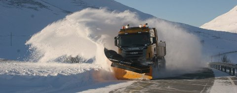 AVLYSER: Skjervøy kommune trekker tilbake anbudskonkurranse om  rammeavtale for vintervedlikehold av kommunale veger. Illustrasjonsfoto: Arkiv