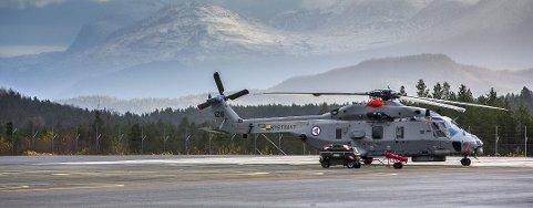 SATT PÅ BAKKEN: NH90-helikoptrene. Her er et av helikoptrene fotografert på Bardufoss flystasjon ved en tidligere anledning. Foto: Yngve Olsen