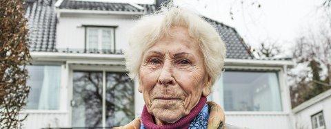Mange henvendelser: Unni Hanson (FrP) kontaktes stadig av pårørende i Færder med familie- medlemmer som har behov for eldreomsorg. Henvendelsene og historiene bekymrer Hanson.