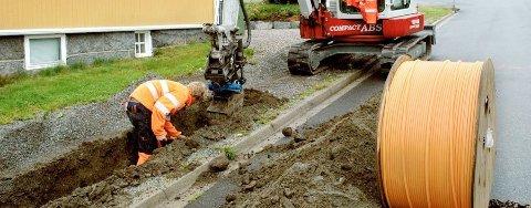 FLERE FÅR BREDBÅND: Telenor er godt igang med fiberutbygging i Sandefjord, men måtte utsette et planlagt møte med kommunen på grunn av koronapandemien. Illustrasjonsfoto/arkiv: ØP