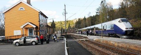 Foreløpig vil ekspresstogene fortsatt stanse på Vegårshei.