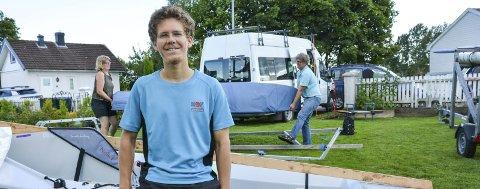 SPONSORER: Mamma Ylva og pappa Per Andreas er både støtteapparat og sponsorer for Lars Johans seilersatsing.