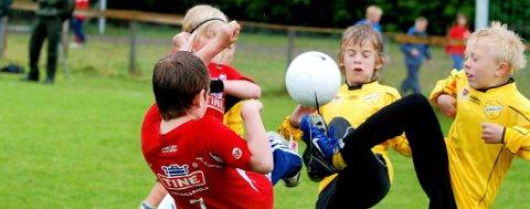 HOLDER STAND: Kampen om lærkula holder stand som den mest populære idrettsaktiviteten for norske barn i alderen 6–15 år.