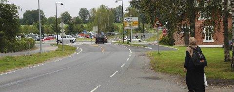 Trafikkfarlig?: Her bør gangveien viderføres, mener tipseren. Foto: Bonsak Hammeraas