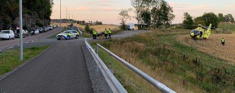 DRAMATISK: En kvinnelig mc-fører er fraktet til Oslo universitetssykehus Ullevål etter ulykken søndag kveld.