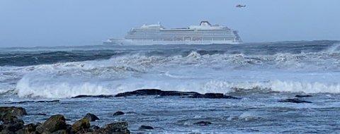 """Etter """"Viking Sky""""-havariet på Hustadvika setter regjeringen ned et utvalg som skal se på beredskapssituasjonen knyttet til den økende cruisetrafikken."""