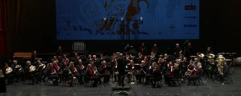I ILDEN: Greåker Musikkorps på scena i Olavshallen under NM i Janitsjar i helga.