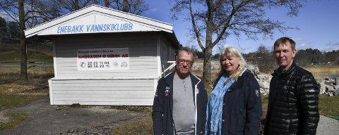 Ikke riktig: Høyres Nina Wold og Fremskrittspartiets Dag Bjerke (til høyre) synes det er feil at vannskiklubben skal betale for reguleringsplanen. Klubbens leder, Roy Olsen, er glad for engasjementet i saken.