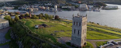 IDYLLISK: Slottsfjellet viste seg fra sin beste side dagen videoen om Nyhrox ble filmet.